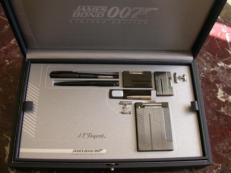 James Bond 2004